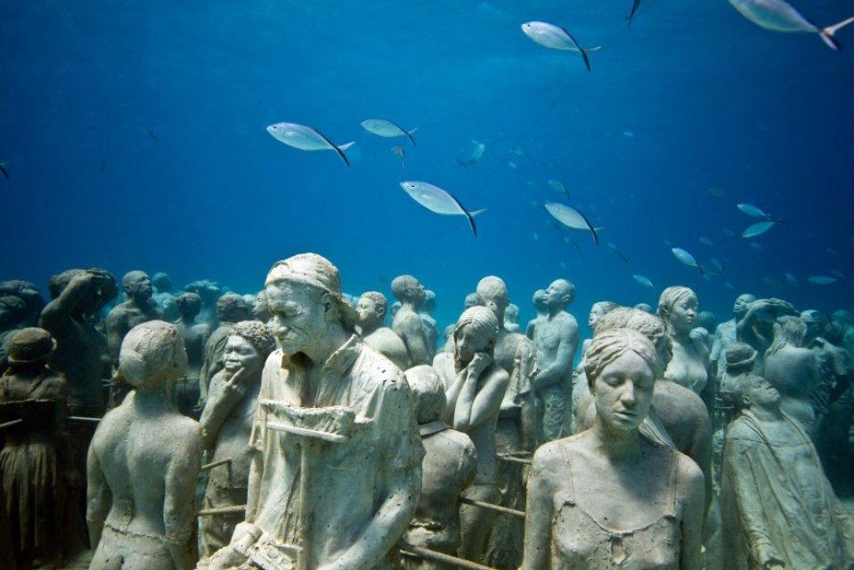 Silent Evolution - www.underwatersculpture.com
